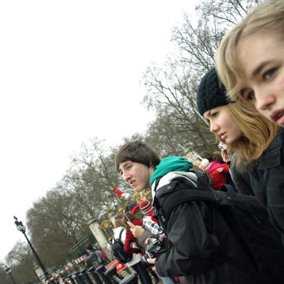 Pred Buckinghamsko palačo, feb. 2010, foto D. J. Smodej