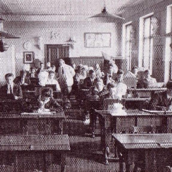 Pri pouku opisne geometrije (okrog 1920)