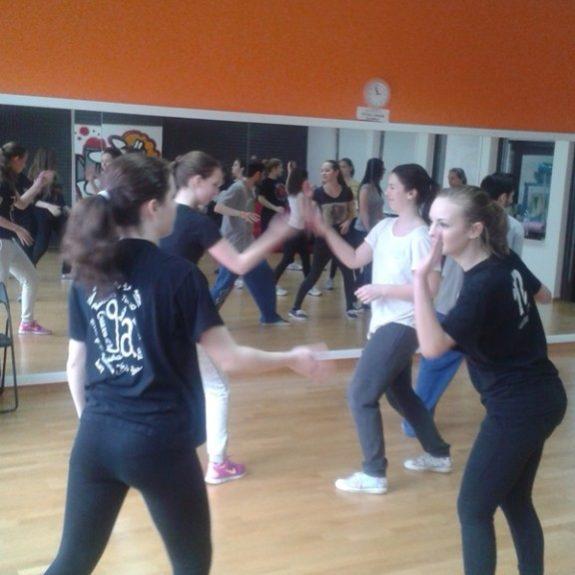 V akciji pri učenju koreografije