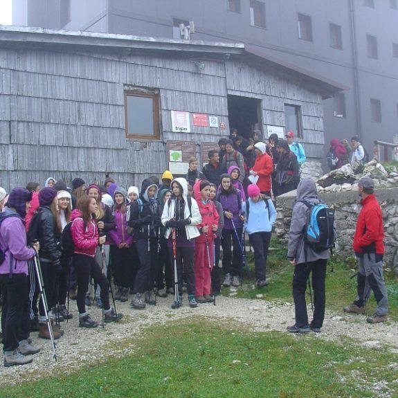 Zbor pred kočo v deževnem jutru, okt. 2012, foto M. Rangus