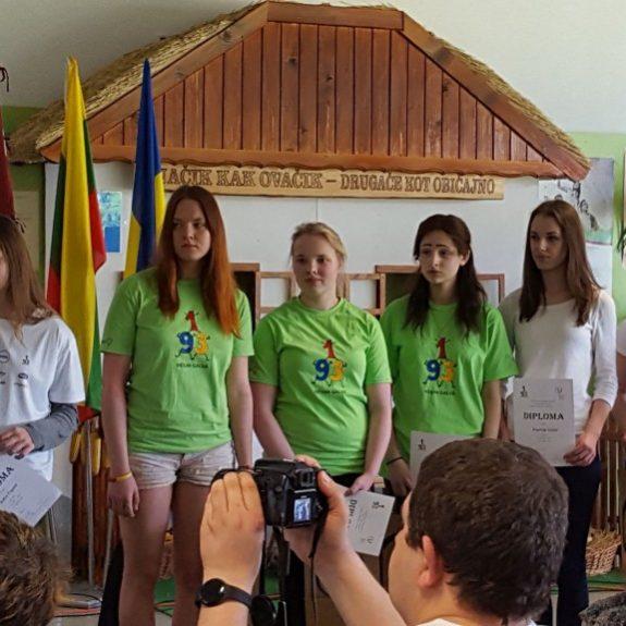 Tekmovanje LEFO, Leja Verbič je zadnja na desni, Murska Sobota, 7. 5. 2016