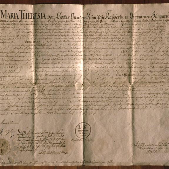 Die Urkunde von Maria Theresia zur Gründung des Gymnasiums, Foto M. H.