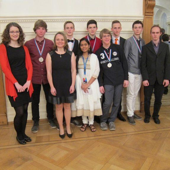 EUSO 2013 - Slovenska ekipa z mentorji in vodičko, marec 2013, foto M. Huš