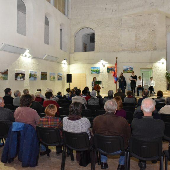 V atriju knjižnice Mirana Jarca, foto: Darko Jakovac