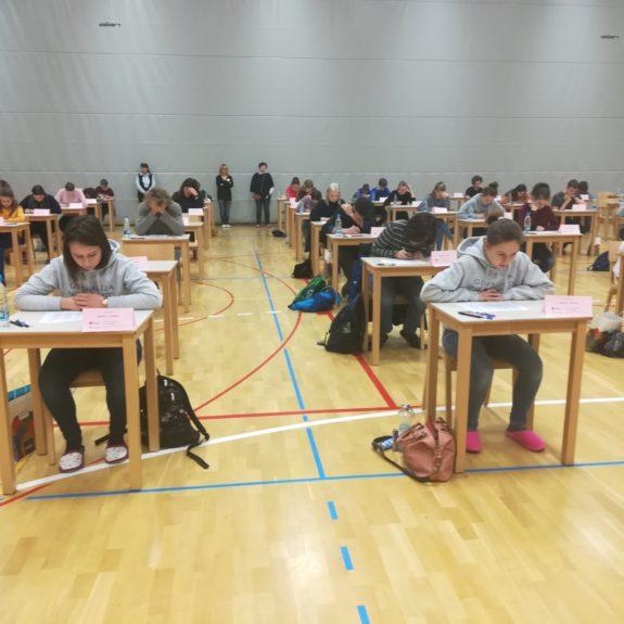 Tekmovalci na tekmovalnih prostorih,  foto: Branka Klemenčič
