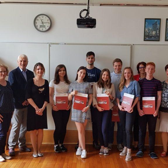 Prejemniki DSD 2 z mentoricami, ravnateljico in dr. Reinhardom Zühlke