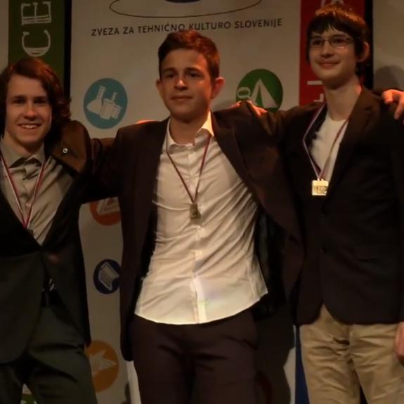 Ekipa, ki je osvojila zlato medaljo: Luka Hadl, Tevž Lotrič in Gašper Košir, foto: arhiv ZOTKS