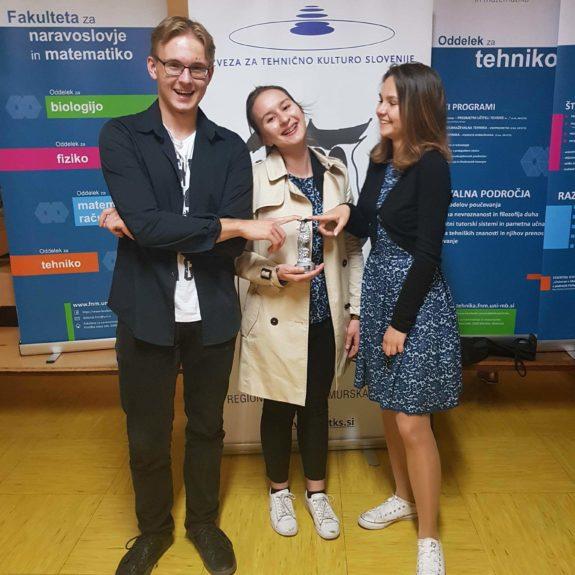 Srebrni matematiki: Anja Mitrović, Eva Brudar in Franc Štirn, foto: Tanja Gačnik