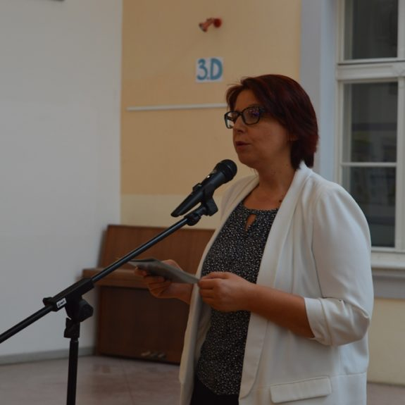 Nagovor ravnateljice Mojce Lukšič, foto: Branka Klemenčič