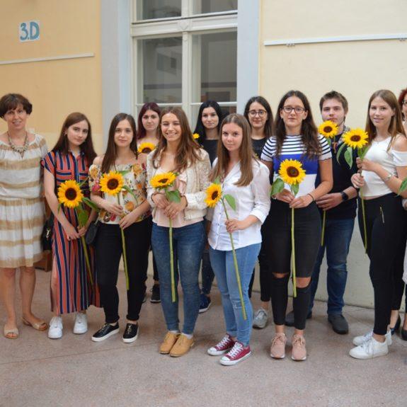 Dijaki 4. k z razredničarko in ravnateljico, foto: Tatjana Durmič