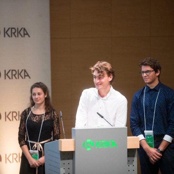 Nagrajenci pri predstavitvi naloge, foto: Arhiv Krke, d. d., Novo mesto