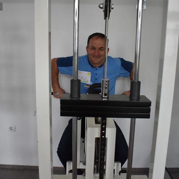 Preizkusili so so tudi fitnes naprave - - Srečanje z varovanci VDC Črnomelj, foto: Anica Kastelec
