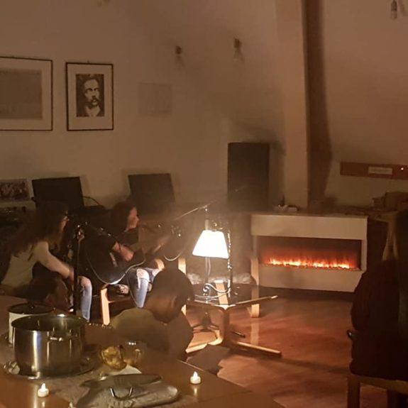 Nočno druženje ob glasbi in knjigah, foto: Polonca Centa
