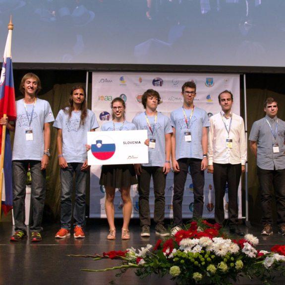 Slovenska ekipa na IOAA, foto: arhiv IOAA