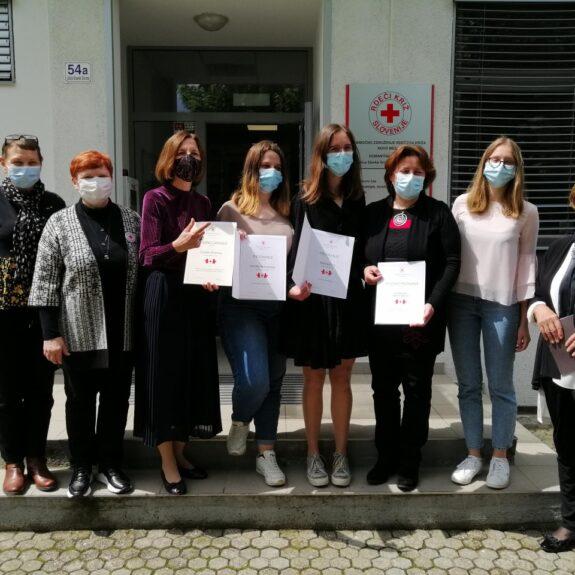 priznanja prostovoljcem GimNM za leto 2020/21, foto: OZRK